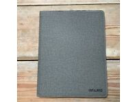 IPad Case for Gen 2 & 3. Hardly used, excellent condition.