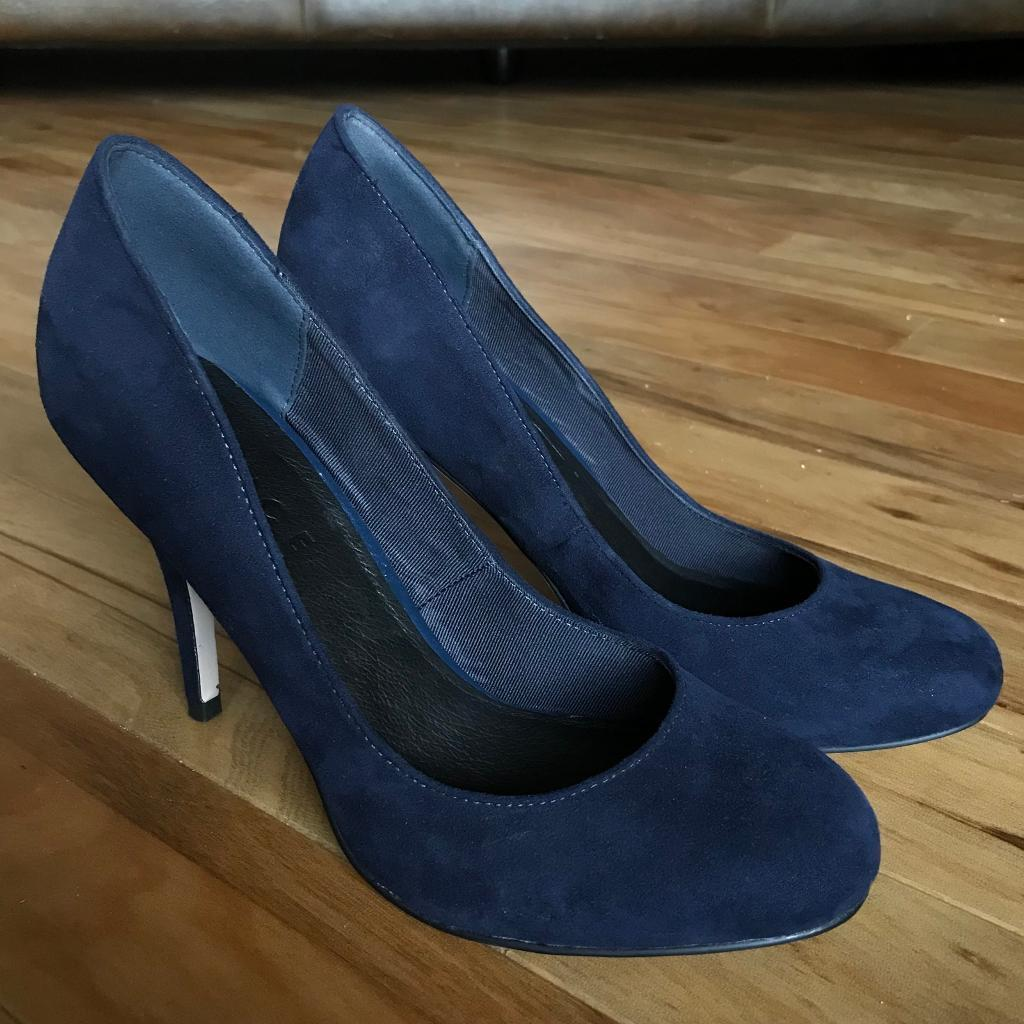 Office navy suede court shoes UK 6 / 39