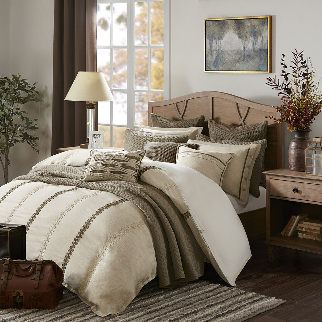 madison-park-signature-chateau-comforter-set