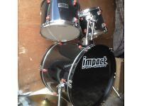 Drum kit in black,5 piece,