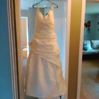 Size 12 Paloma Blanca ivory wedding dress