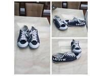 Levis canvas shoes size 11