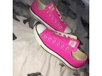 Womans pink converse, Size 5