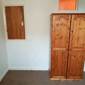 Single Room Up for rent all inclusive