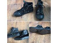 Converse. Black leather, fleece lined. Unisex, Boys, Girls. Size 13.5