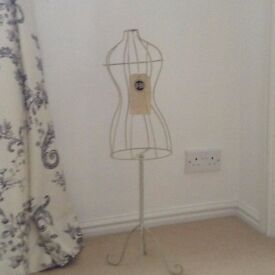 Small cream metal mannequin 72cm. high