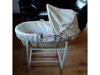 Mamas & Papas Moses basket + stand + fitted sheets