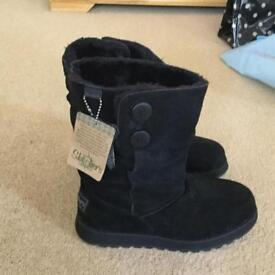 Sketchers Slouch Boots