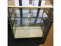 SHOWROOM GLASS CABINET MOBILE PHONE DISPLAY WATCHES JEWELLERY COUNTER WHEELS