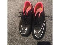 Nike Astro turfs size 3