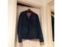 Levis trucker jacket size large