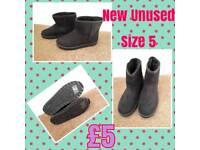 New Ladies Black suede Boots