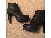 UK 4 lace up heeled boots