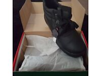 New with tags mens steel toe capped boots size 10
