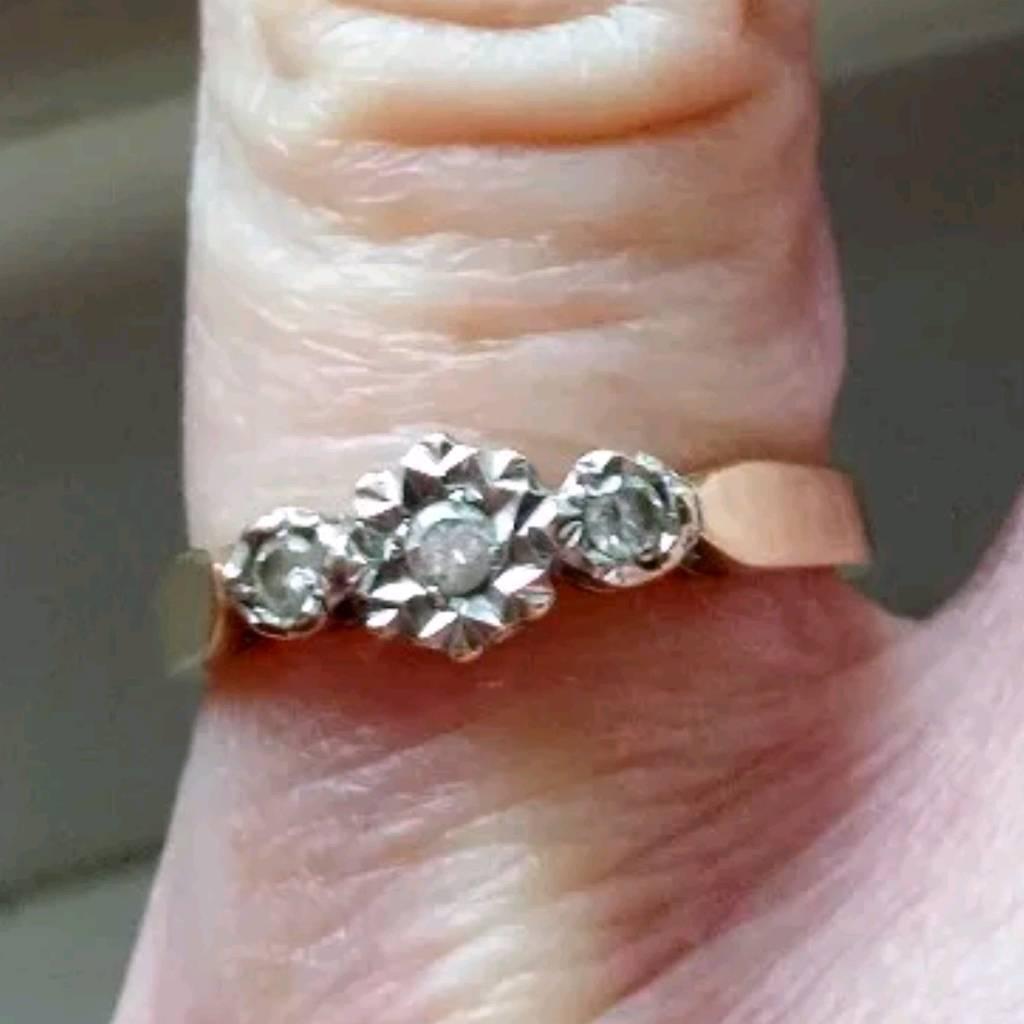 triple diamond 0 10 carat 9 ct gold ring in redditch