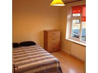 BRIGHT AND LARGE DOUBLE ROOM TO RENT IN STRATFORD ... ALL BILLS INCLUDED!!!