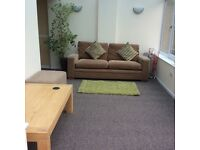 Double Ensuite Room to Rent Lower Stratton near to Greenbridge Retail Park