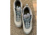 Nike trainers uk 8 used
