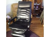 Massage Chair with leg rest and remote control many different settings plus heat & swivel &recline