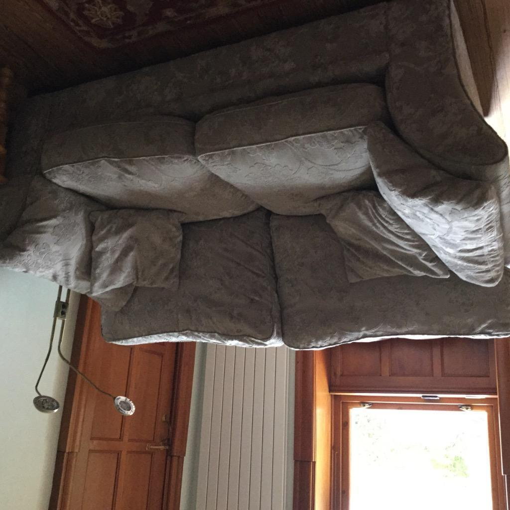 Traditional Style Grey Fabric 2 Seater Settee In