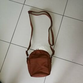 Ladies Tan Handbag / Shoulder Bag **REDUCED**