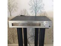 Luxman T2 AM/FM Tuner