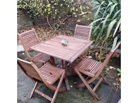 Garden Table and 4 Foldable Chairs with cushions