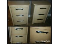 2 quality bedside cabinets £35