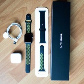 Series 2 Apple Watch Nike+ 42mm Space Grey Like New Condition Complete with the Box