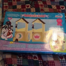 Brand new sealed horseman stables with dog and bowl