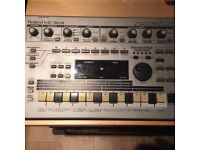 Roland MC-303 Groovebox Sequencer