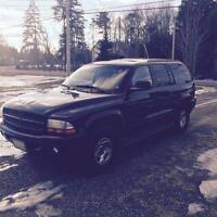 REDUCED Dodge durango 2001 perfect mud truck or daily driver.