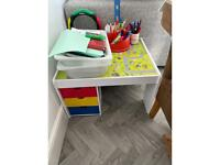 Play table/storage