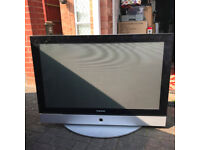 42 inches samsung tv for sale. in very good condition and perfect. no issue at all