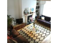 Nice terraced 2 double bed house with garden in Shoreditch for short-term rent (negotiable)