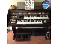 Kawai S3/S4 electric organ - excellent condition with stool and manual