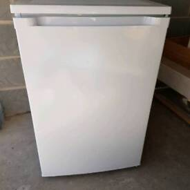 Fridge (and small freezer compartment)