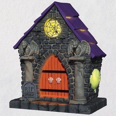 Hallmark 2018 Halloween Ghostly Mausoleum Haunted House Ornament Light & - Halloween Mausoleum