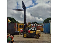 Daewoo 3 ton Diesel forklift with sideshift, only 8000 hrs, Full free lift, container spec.
