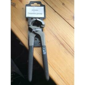 Carpenters Pincers, NEW. Good quality forged with decent grips
