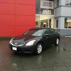 2010 Nissan Altima Sedan 2.5 S CVT Island Car ! Accident Free !