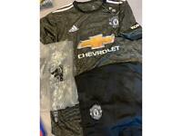 Brand new Manchester UTD kit Size XL