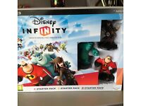 play station 3 disney infinity, starter pack. 3 figures and power disc.