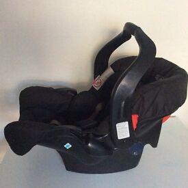 Black Graco Junior Baby Car Seat