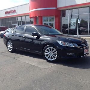 2013 Honda Accord Touring  ACCIDENT FREE  ONE OWNER  NAVI 