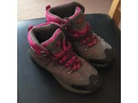 Trespass Laurel Girls Size 4 Walking Boots Collection Only