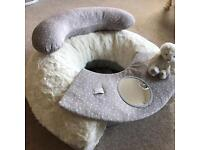Baby seat/support