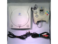 Sega dreamcast complete with 4 controllers/power pack/scart lead 3 memory units/rumble pack