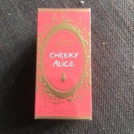 """Vivienne Westwood """"cheeky Alice"""" perume"""