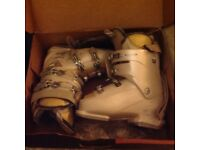 Ladies head ski boots